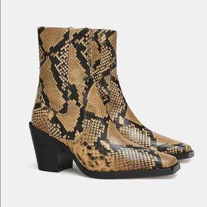 ZARA Leather Python Snakeskin Zip Up Ankle Boots